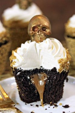 Creative Halloween Cupcakes to Serve at Your Costume Party