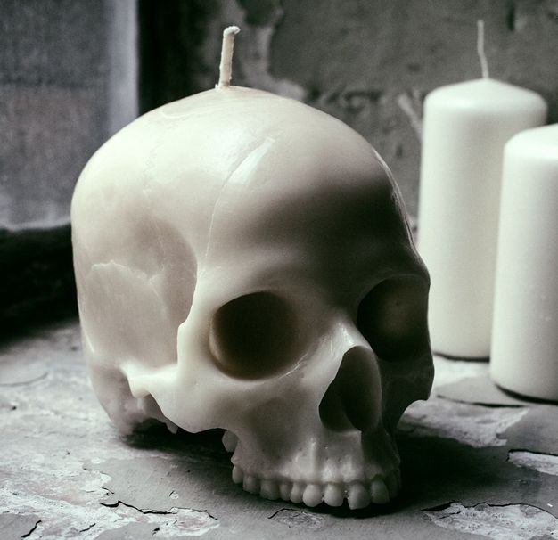 skull candle – I would love one of these.