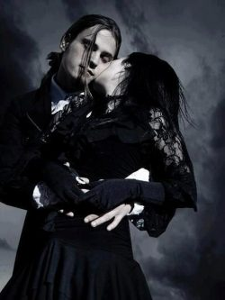 † GOTH Couple † | For more Goth Love follow www.pinterest.com…