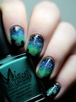 The Digit-al Dozen: Aurora Borealis Nail Art – The Northern Lights Nails | Manicurity.com