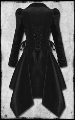 Victorian Steampunk Velvet Coat #Gothic #Fashion_by_Concepcion